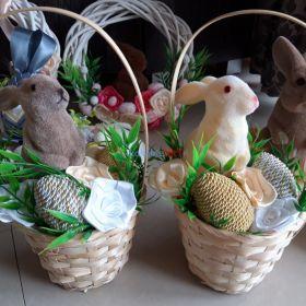 Gotowy koszyczek dla dziecka z zajaczkiem i pisankami stroik wielkanocny dekoracja